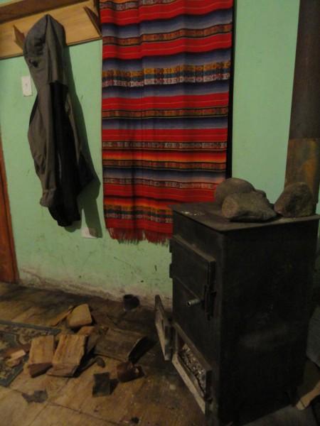 cabanas-quilotoa-wood-stove
