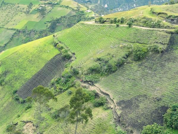 hills-hike-chugchilan-ecuador