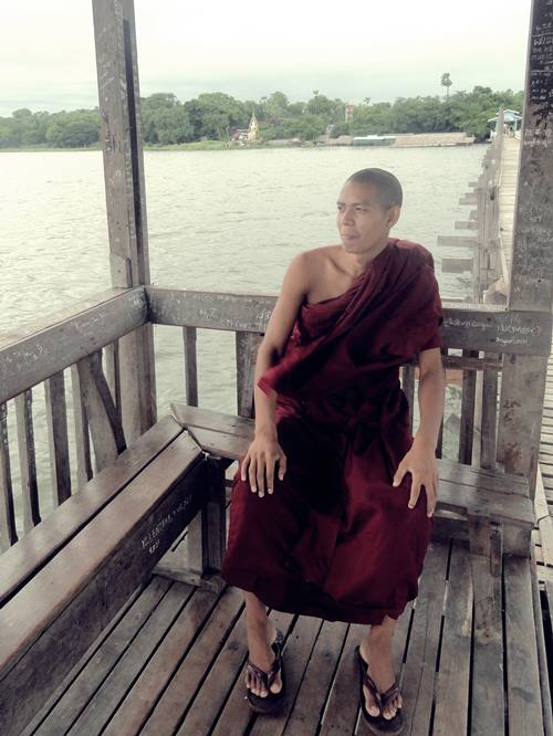 monk-mandalay