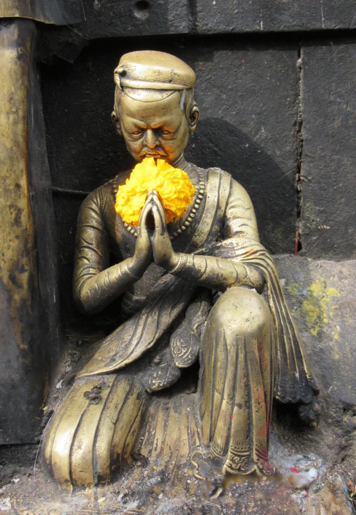 Swayambhunath-statue-marigold
